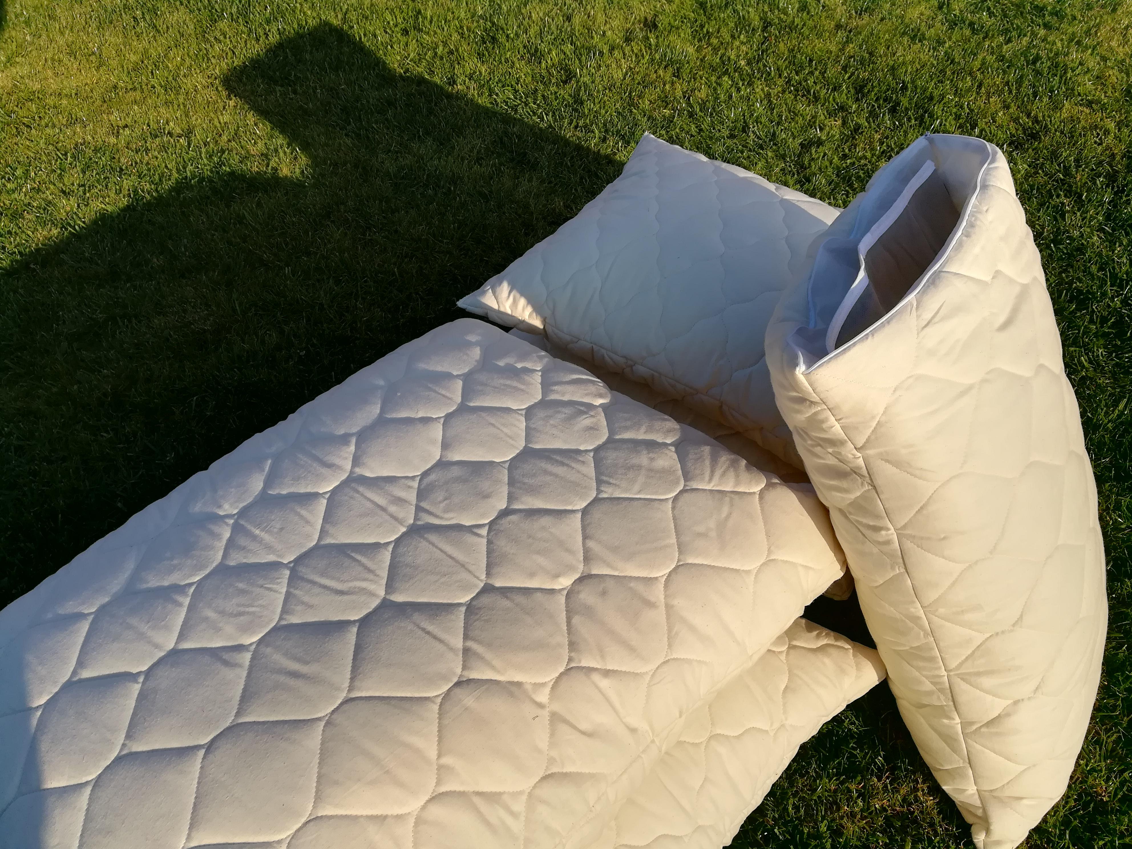 polštář určený k bylinným terapiím při spaní nebo relaxaci